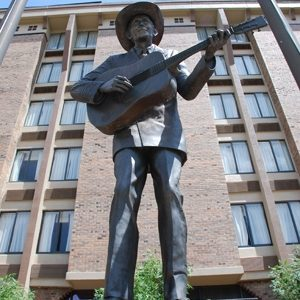 Hank-Williams-Statue-Montgomery-Alabama